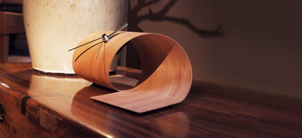 Holzdekoration und Wohnaccessoires - Holzuhr